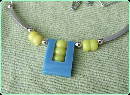 Modernist Art Deco Necklace in blue and yellow
