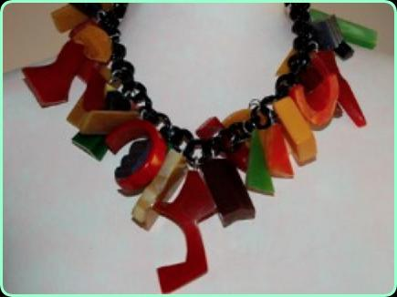 Chunky Art Deco bakelite/celluloid necklace on a chunky chain