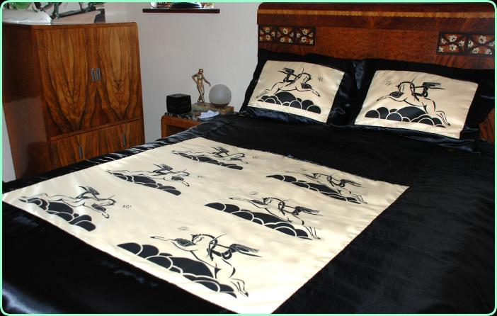 Art Decor Designs Art Deco Bedding P4 Art Deco Style Home Furnishings Throws